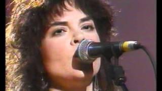 Rosanne Cash - 'Dance With The Tiger' (Live TV Clip 1990)