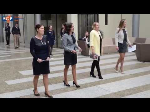 Amazing Grace Flashmob in Tweede Kamer gebouw