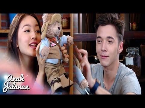 Boy Kasih Boneka Lucu Buat reva [Anak Jalanan] [28 September]