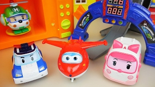 Robocar Poli and Super Wings plane and car toys oven and slide play
