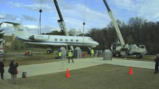 Time-lapse of Shuttle Training Aircraft lifted to display at U.S. Space & Rocket Center