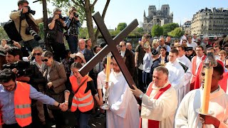 'Way of the Cross' ritual held around Notre Dame Cathedral