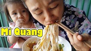 Street Food Saigon Vietnam 2017 - Vietnamese Quang Style Noodle - Mi Quang