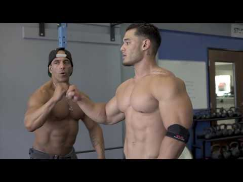 Jeremy Buendia -Training and Posing With Members Of  #Teambuendia