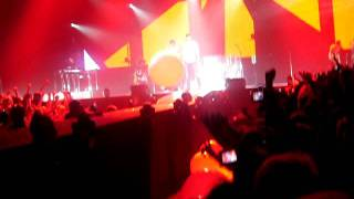 Enrique Iglesias - I Like It + Enrique Messing Around With Balloons In Front Of Me, Live In Helsinki