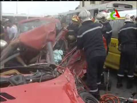 Algerie Grave Accident a BOuloughine le 3 ramadhane.flv