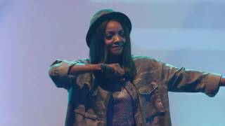 Simi performing 'Tiff', 'Open & Close' & 'Foreign' at #TheMVPs