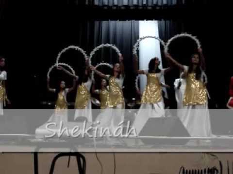 Ministério de dança Shekinah Nos braços do Pai