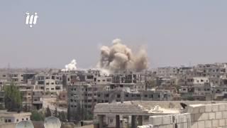 قوات النظام تقصف حي طريق السد ومخيم درعا بالبراميل المتفجرة 5 - 6 - 2017