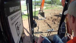 25 Ton Excavator Picks Up Raw Egg