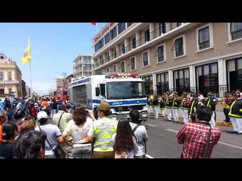 Bomberos Iquique Desfile material mayor 06 10 2013
