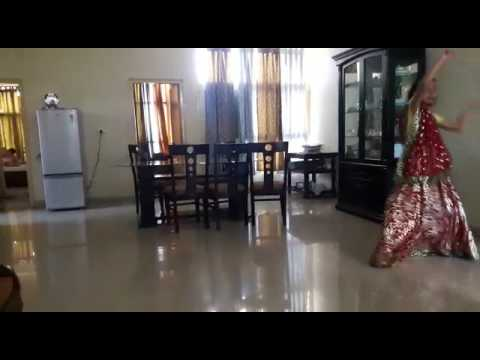 Dandiya dance on the song nagad samg dhole baje by anu and shubdha choreographed by anu PART 1