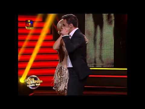 Cristina Ferreira pede o Senhor Alberto em dança uma vez Não me Toca de Anselmo Ralph