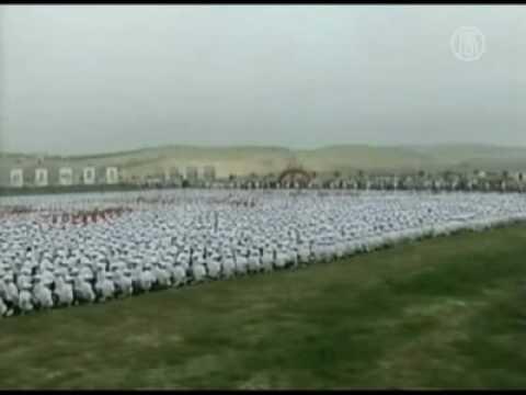 China Tetapkan Rekor Dunia Dalam Domino Manusia