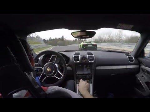 Porsche Cayman GT4 vs. Lamborghini Aventador SV Nordschleife .