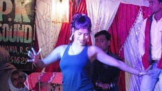 Band Kamre mei Pyar Karenge - Hot Bhojpuri Arkestra Dance !!