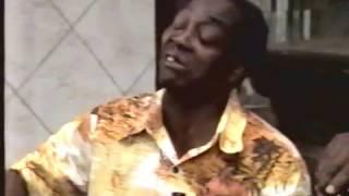 Os Trapalhões - Mussum e Tião Macalé tentam pendurar a conta no bar do Didi