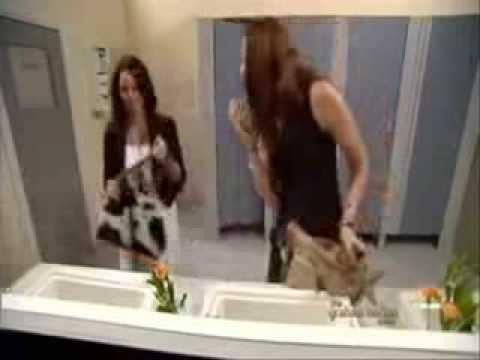 كاميرا خفية فى حمام بنات مسخرة