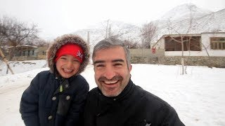 UNBELIEVABLE  SNOW FALLING IN REMOTE AREAS OF NAGAR VALLEY | SNOWALLING VLOG