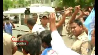 Student Congress President Itish Pradhan detained after trying to barge into Naveen Nivas