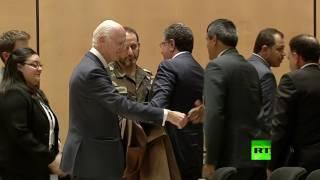 """وفد الحكومة السورية يتجنب مصافحة دي ميستورا بعد انتهاء جلسة """"جنيف 4"""" الافتتاحية"""