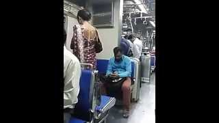 Hijras Begging In Trains And At Traffic Signals In Mumbai Easily | Chakka In Train