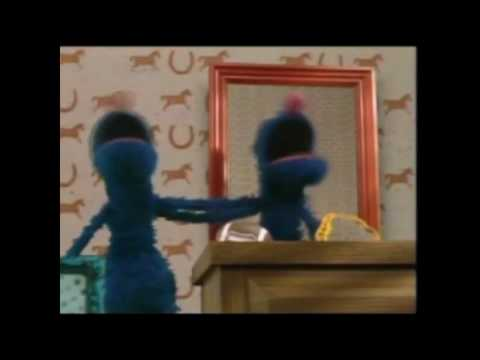 Sesamstraße Grobi Monster im Spiegel