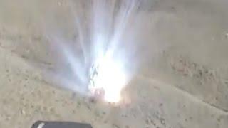 شاهد الاباتشي اثناء قصف مليشيا العدو الحوثي، جبل المخروق