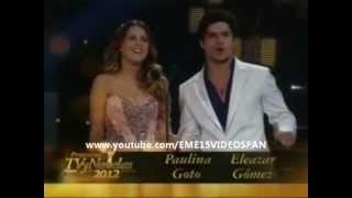 Paulina Goto y Elezar Gomez Premios TVyNovelas - Presentadores del Mejor Actor Juvenil 2012