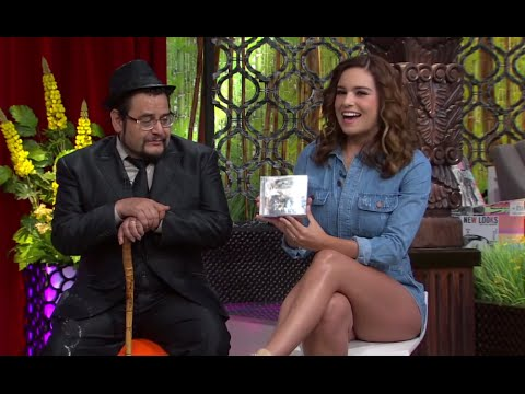 Tania Rincon hot legs Venga la Alegria 08 07 15