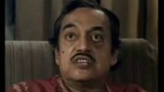 Aguntuk by Satyajit Ray-The 1 of the Best Dialogue Delivered by Utpal Dutt.wmv