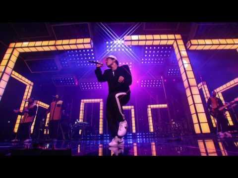 Bruno Mars Versace on the Floor Billboard Music Awards 2017 Live