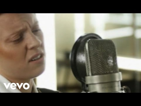 Download La Roux - Bulletproof (Abbey Road Sessions)