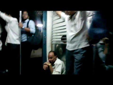 Xxx Mp4 1 34 AM Last Virar Local Train From Andheri Station Mumbai India 2014 HD VIDEO 3gp Sex