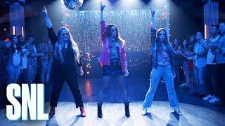 Cut for Time: Friendship Song (ft. Nicki Minaj) - SNL