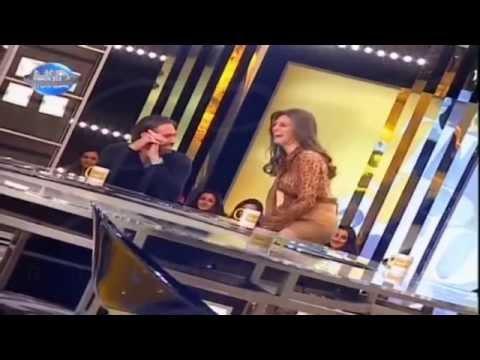 ملكة جمال لبنان تخلع ملابسها أمام الجمهور على الهواء مباشرة