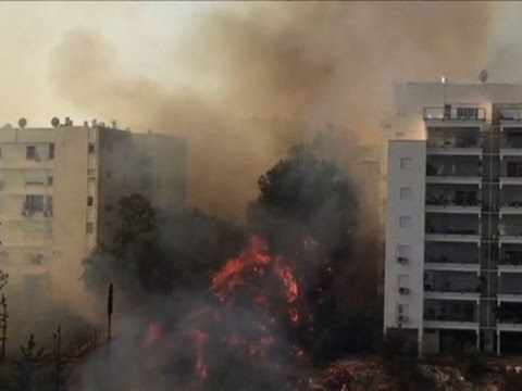 watch Raw: Fire Forces Thousands in Israel to Evacuate