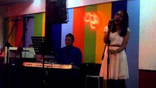 Kita Pritasari performed