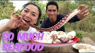 SEAFOOD (GIANT Octopus, Seashells, Squid, Clams) | SASVlogs