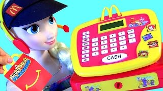 Elsa Trabalha no McDonalds !! Brinquedo McDonalds Cash Register Toy