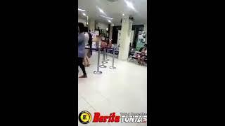 Video Heboh..Seorang Gadis Cantik Bugil Saat Berbelanja Ke Sebuah Toko Di Jakarta