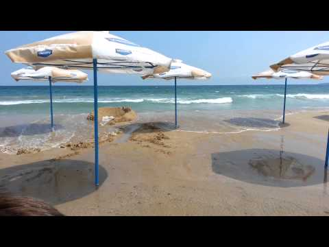 Mini tsunami on Bulgarian Black sea beach