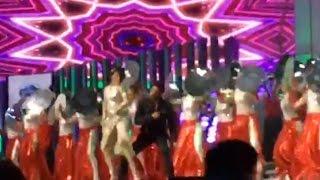 LEAKED VIDEO: Shah Rukh Khan's Energetic Performance On Chaiyya Chaiyya At TOIFA 2016