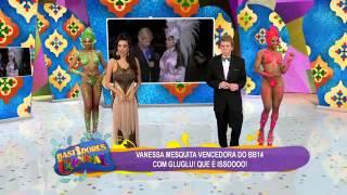 Vanessa Mesquita faz strip tease forçado e mostra tudo