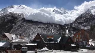 Avalanche Misses Cheget Ski and Snowboard Resort in Terskol, Russia