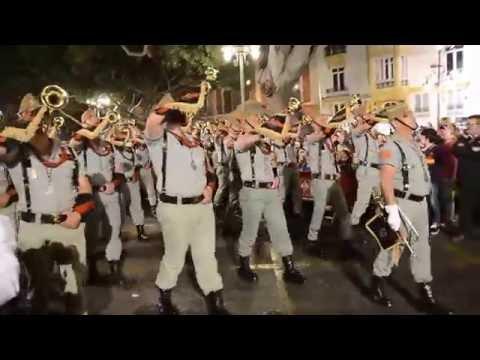 La Legión desfilando con el Cristo de la Buena Muerte. Semana Santa de Málaga 2015