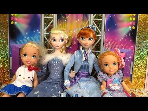 2018 New Year's Party ! Elsa and Anna toddlers celebrate at Barbie's house !