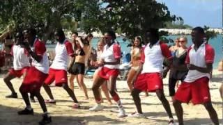 Jamaican Riu dancers