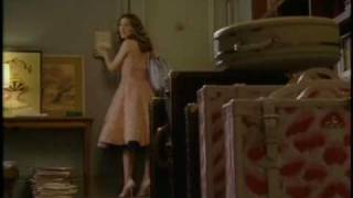 SATC Deleted Scene-Carrie forgets her laptop when she leaves for Paris