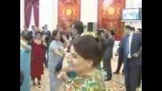 Очата бугу..Таджикский танцор диско пьяный Танец Эмомали Рахмона 2013